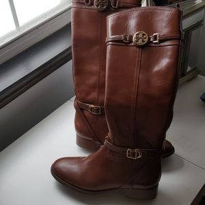 Brown leather Tory Burch boot size 9
